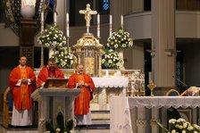 Przekazanie relikwii św. M. M. Kolbego parafii w Pawłowicach